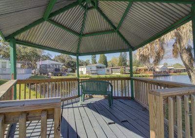 RV Park Cabana on lake in Florida